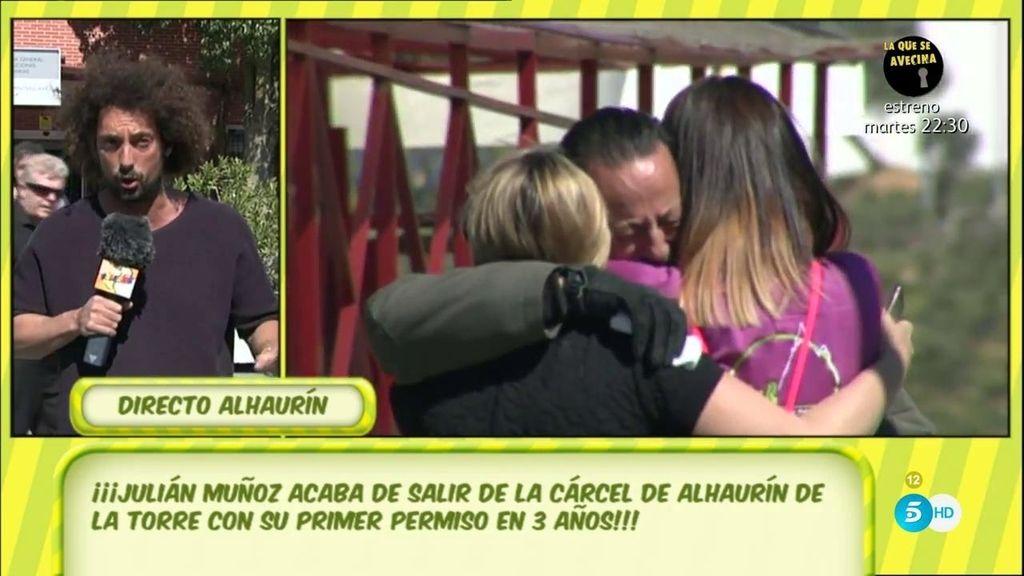 Julián Muñoz sale de la cárcel, pide disculpas y da las gracias a su familia, a su exmujer y a los medios