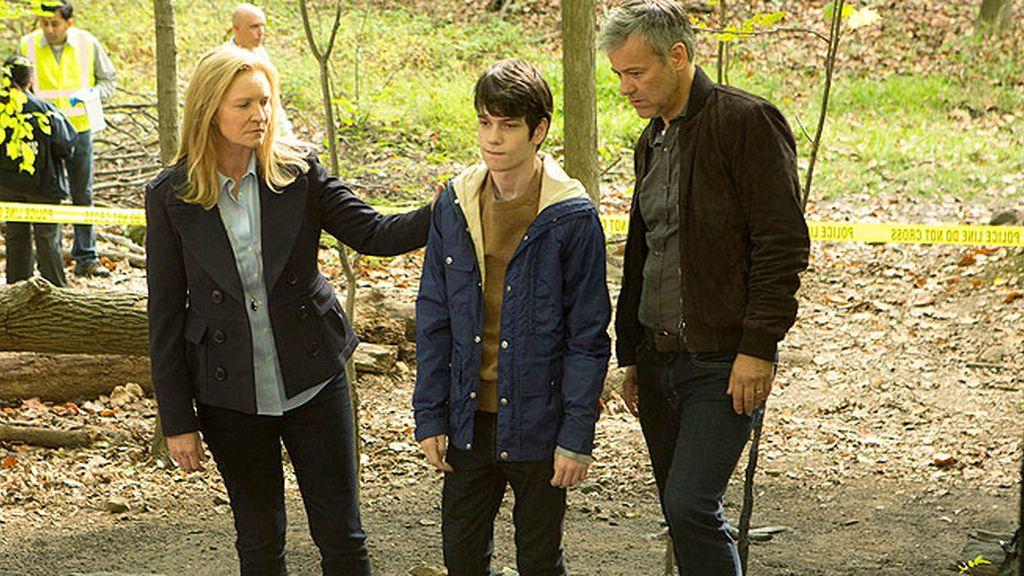 Adam vuelve al búnker donde estuvo secuestrado en 'El secreto de Adam'