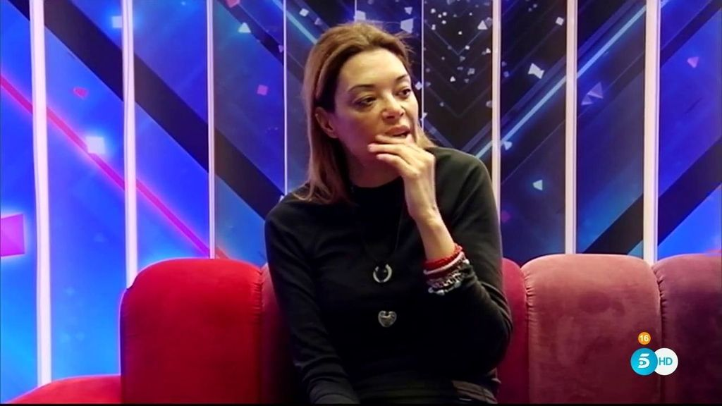 Lucía Hoyos, derrumbada por sentirse sola en la casa de Guadalix