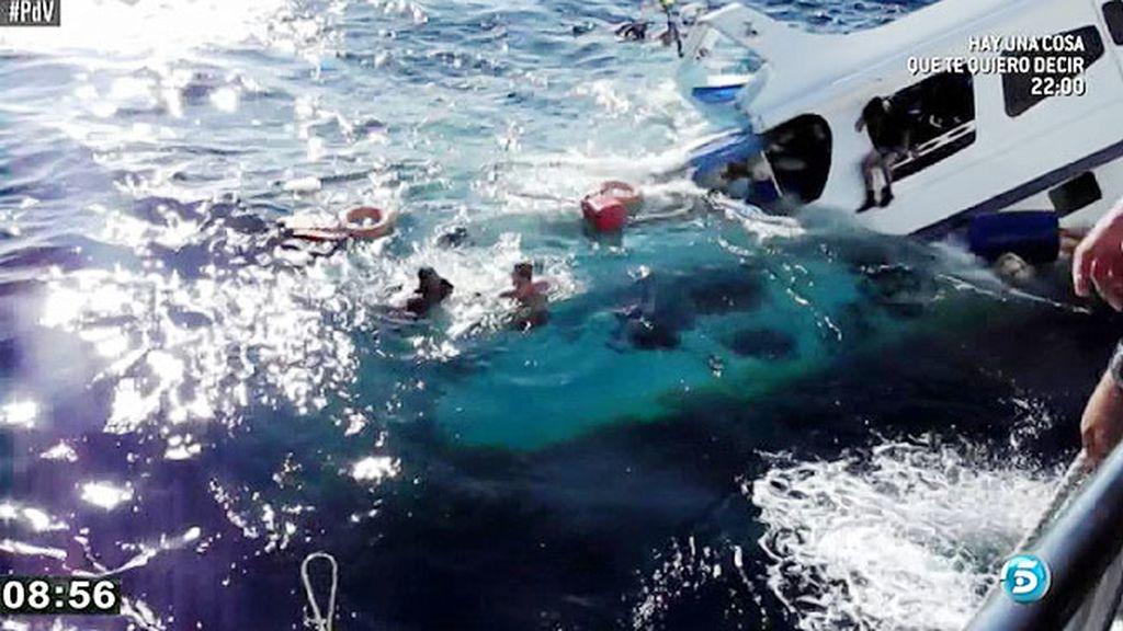 Continúan desaparecidos los dos españoles que viajaban en el barco naufragado en Indonesia