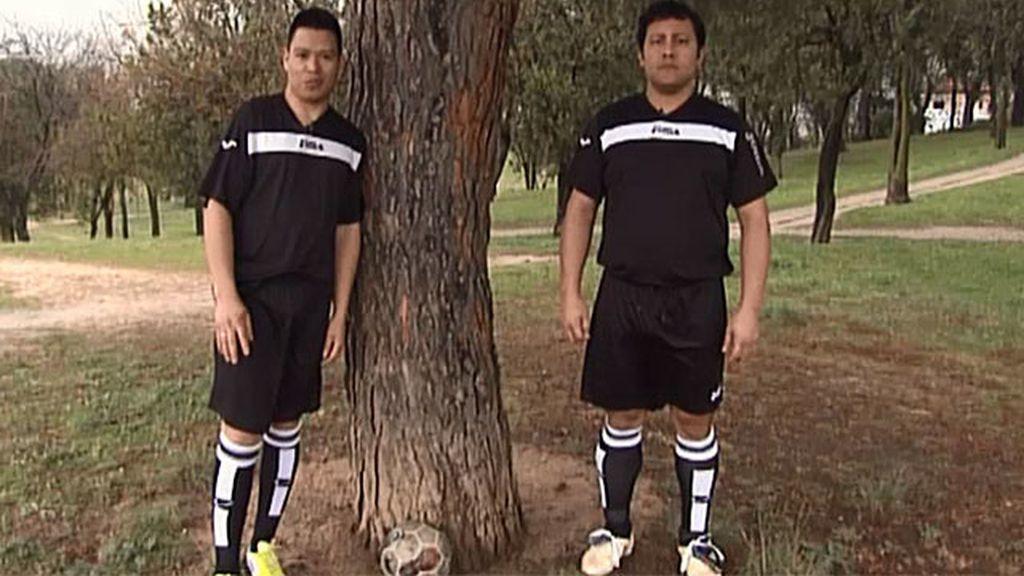 Busco: delantero y portero de fútbol