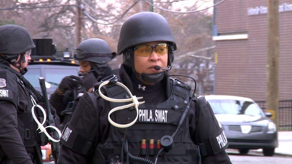 El Swat de Filadelfia intenta detener a un maltratador armado