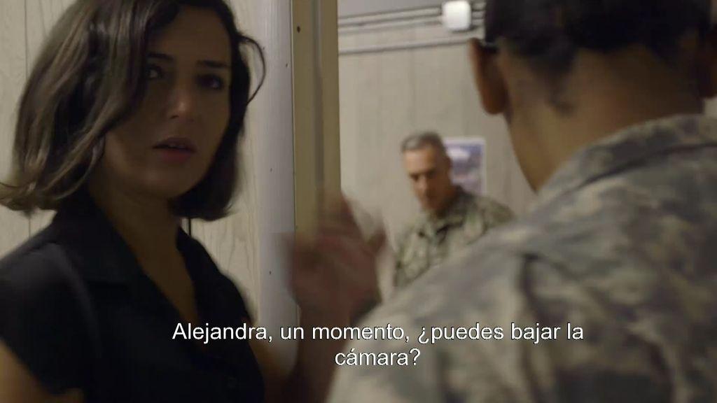 """Alejandra, interrumpida por un oficial de Guantánamo: """"¿Puedes bajar la cámara?"""""""