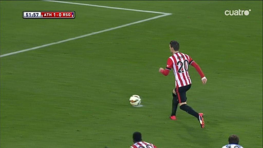 Aduriz no se pone nervioso y marca de penalti con una 'paradiña' a Rulli