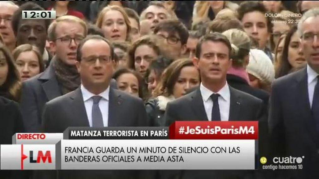 Minuto de silencio en París interrumpido bajo el cántico de 'La Marsellesa'
