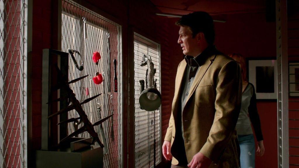 Máscaras, látigos, cadenas… Castle encuentra la mazmorra de '50 sombras...'