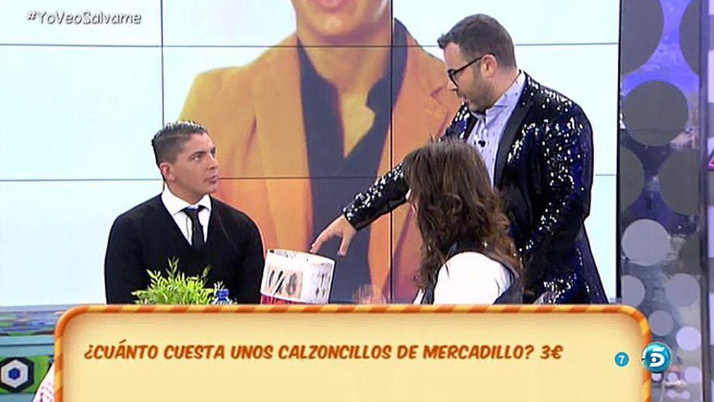 Rafa regala su chaqueta a Jorge Javier