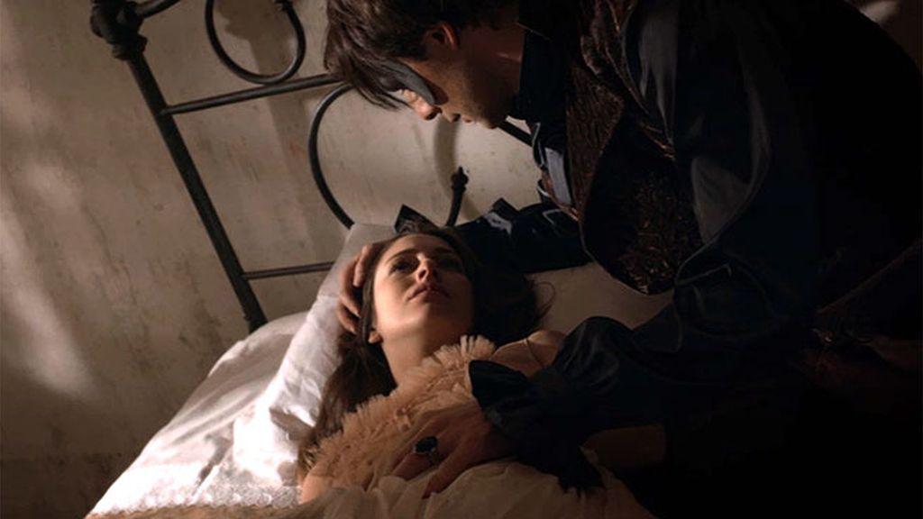 León no puede esperar más y besa a Bella