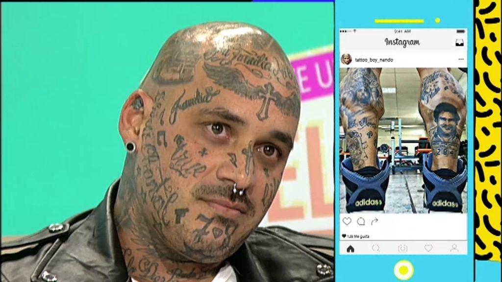 ¿Qué tipo de tatuaje le piden los clientes por la noche a Nando?