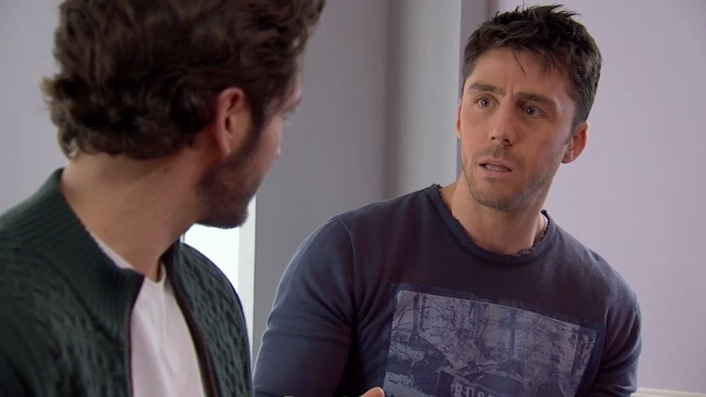 Sergio actúa, sin saberlo, como celestino entre Natalia y Raúl