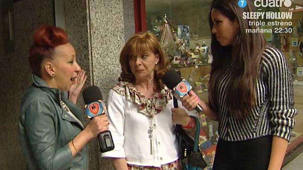 Leti y Marta buscan opiniones sobre si hacen falta plazas de aparcamiento para mujeres