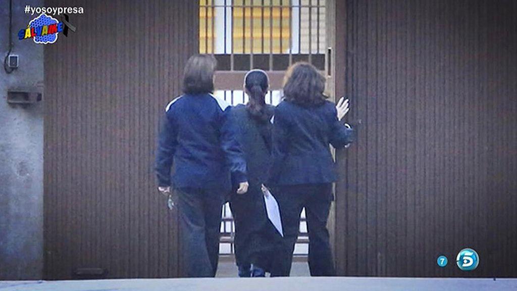 Isabel Pantoja se libra de la fregona: no tendrá que limpiar su celda, por baja médica