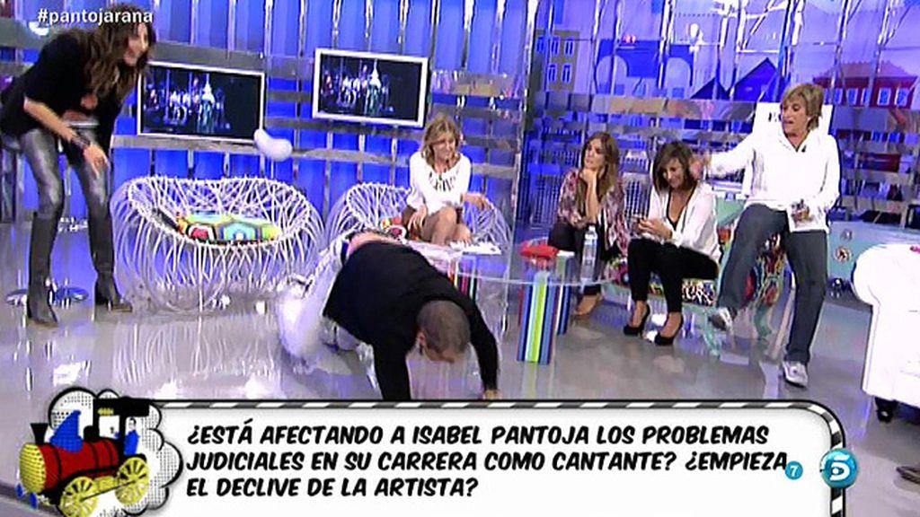 """Gustavo González, a Chelo Gª Cortés: """"Vas a poner de moda el 'te arastras"""""""