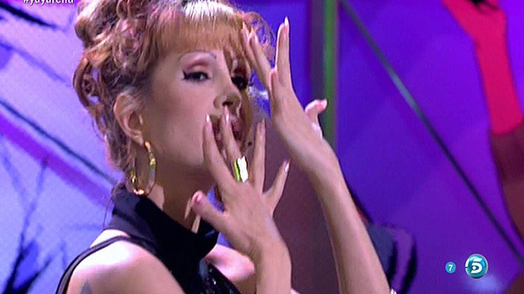 Yurena canta y baila su exitoso 'Dance Floor'