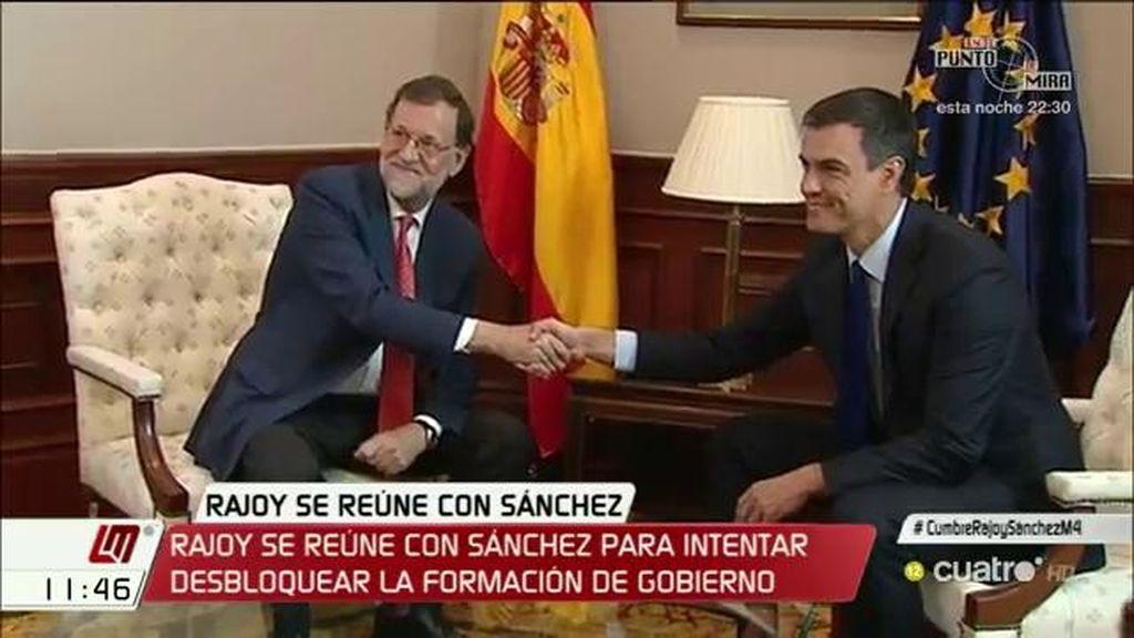 Rajoy se reúne con Sánchez para intentar desbloquear la formación de Gobierno