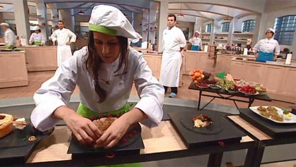 Los concursantes presentan sus tartas