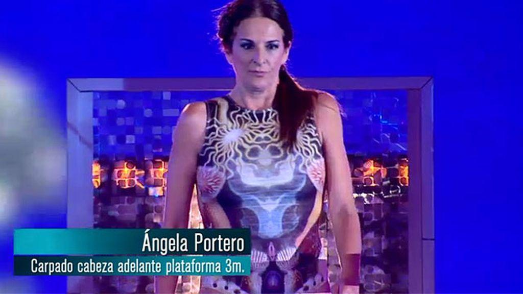 Ángela Portero: salto carpado cabeza adelante desde plataforma de 3 metros