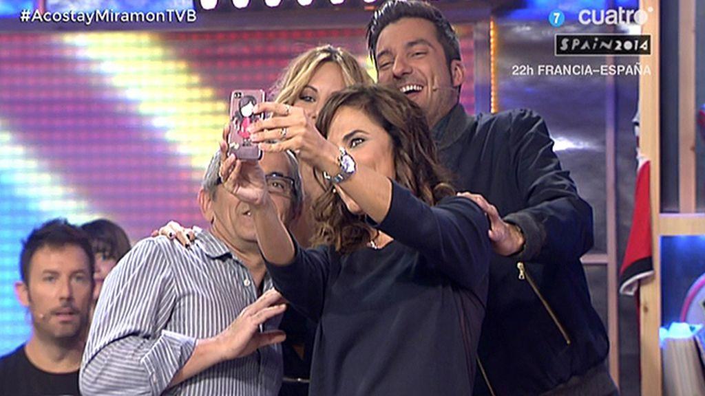 Toni Acosta, adicta a los 'selfies'