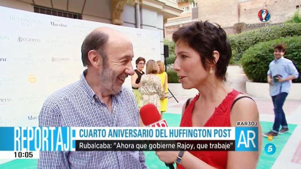 """Alfredo Pérez Rubalcaba: """"No pasa nada por que Rajoy trabaje un poquito"""""""