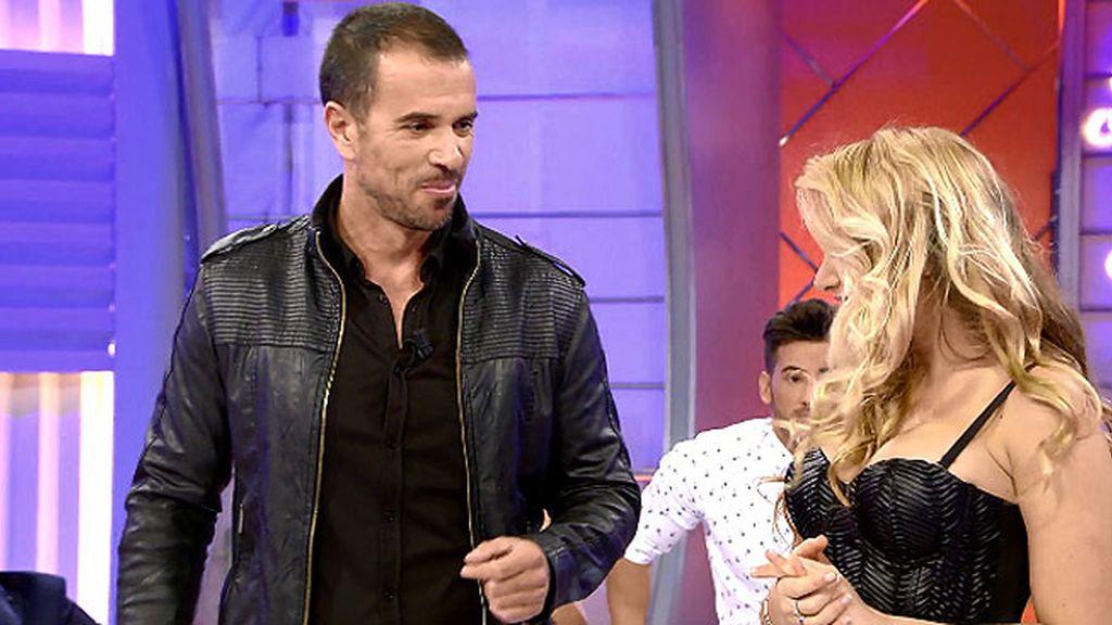 Elisa y Roberto se compenetran con el temazo de Azúcar Moreno: 'Tus ojos bandido'