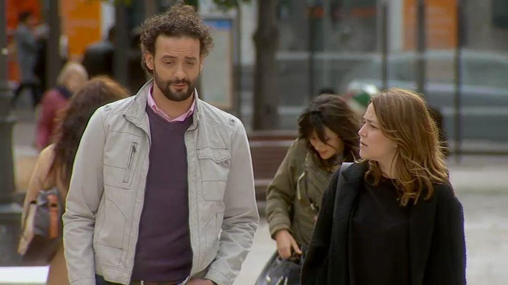 """Lucía, a Pedro, un antiguo novio: """"¿Por qué lo nuestro no funcionó?"""