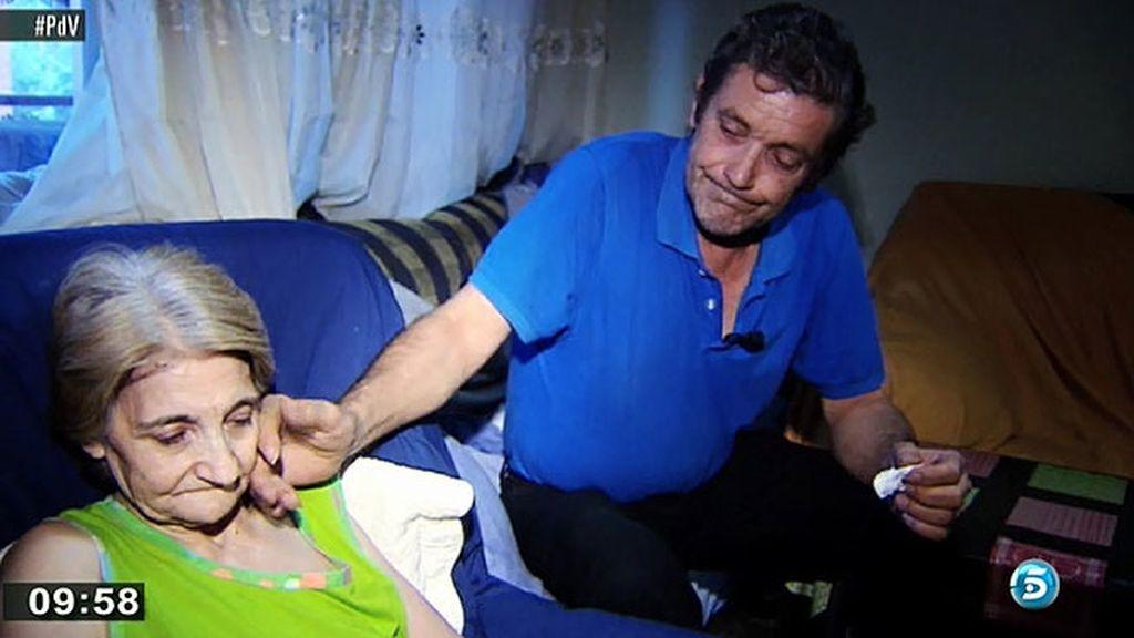 Rafael lleva tres años en paro, no tiene subsidio y no sabe cómo afrontar los pagos