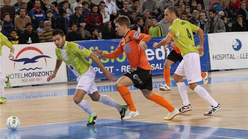 Manacor y Burela Pescados Rubén empatan en un final de partido eléctrico (2-2)