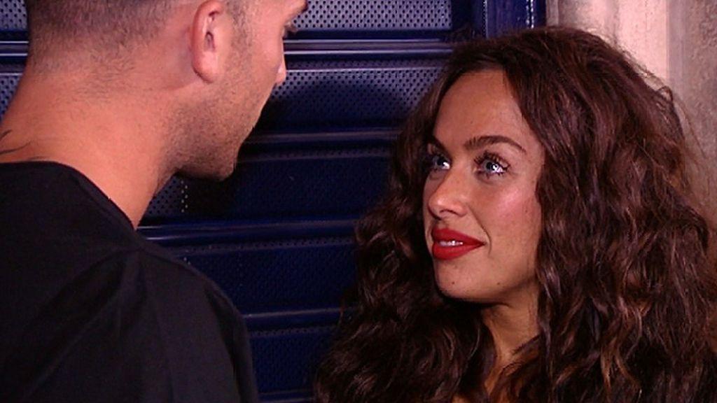 """Yiya, a Borja: """"¿Cuántas docenas de ganas tienes de darme un beso?"""""""