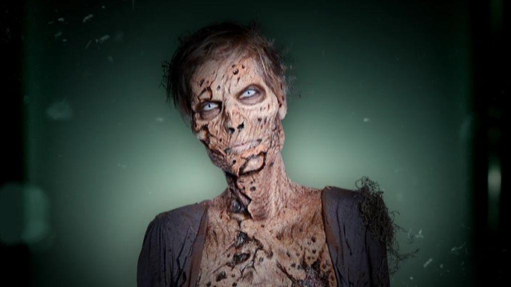 Los concursantes presentan a los zombies ante los jueces