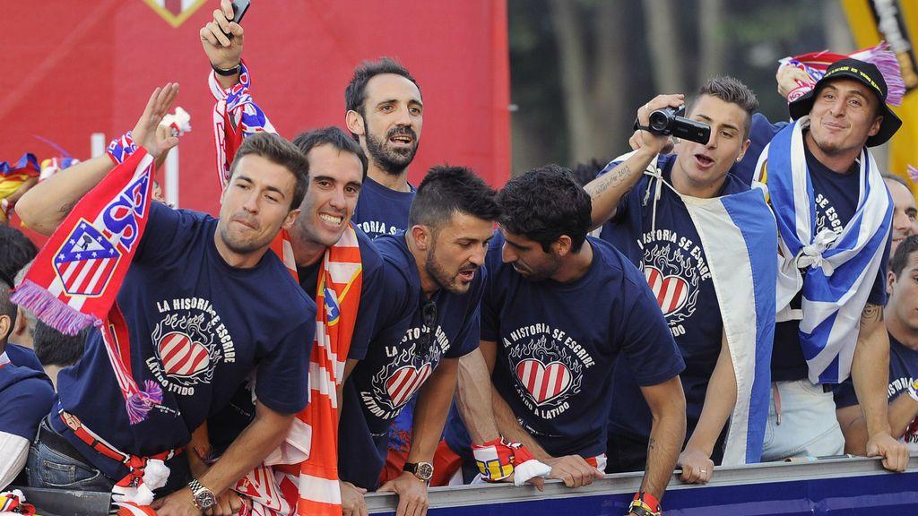 Así fue la celebración del Atlético: Menottinto se cuela en la fiesta del Calderón a Neptuno