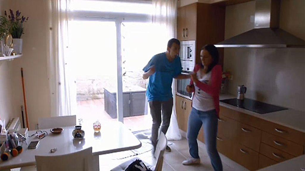 "Alberto, a su madre: ""Vete ahora mismo a la cocina, ya, tengo mucha hambre"""