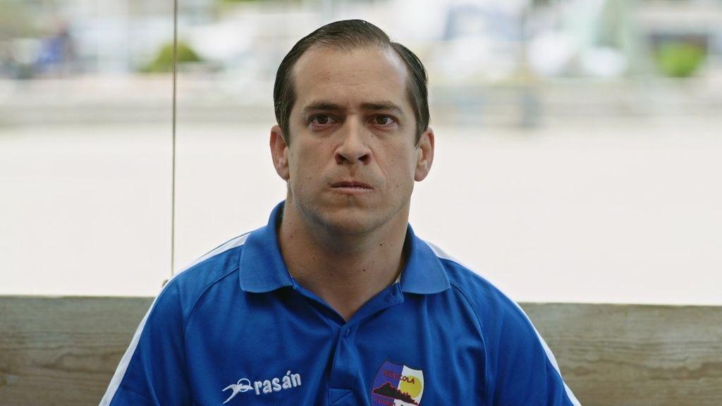El equipo al completo se niega a que Vicente sea el portero suplente