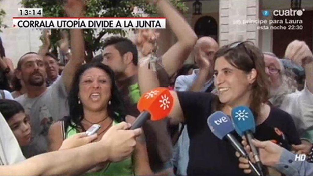 Las familias de la Corrala Utopía celebran que ya tienen las llaves de sus viviendas