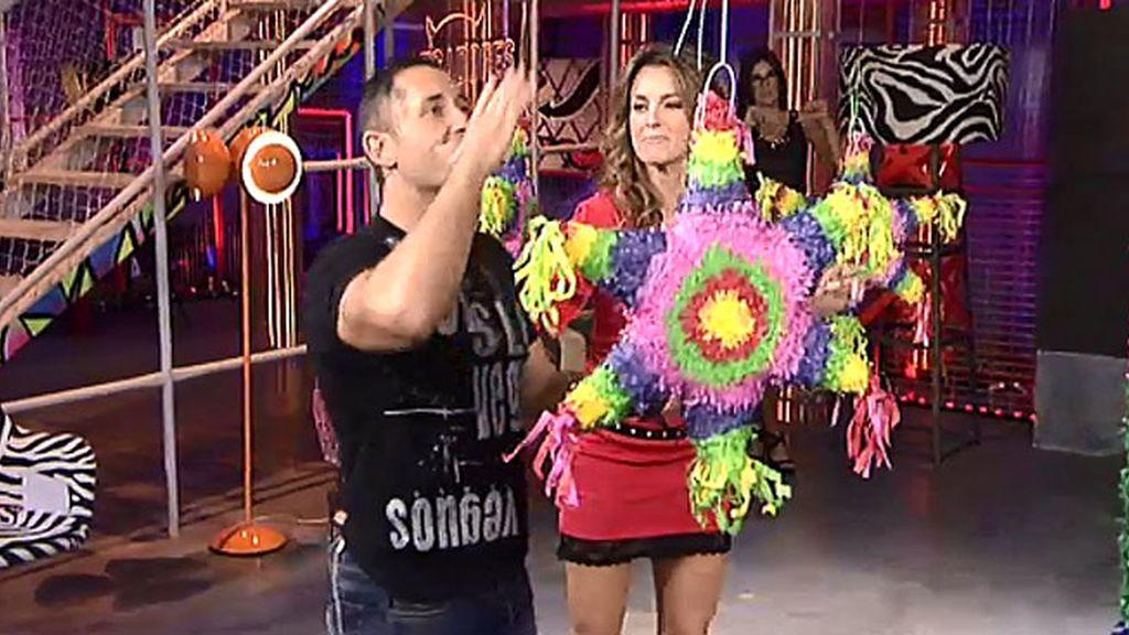 ¡El Karate piñata en 'Pecadores'!