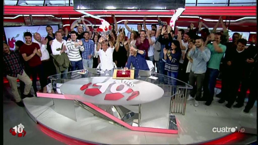 Deportes Cuatro canta el cumpleaños feliz por los 10 años de éxito de Los Manolos