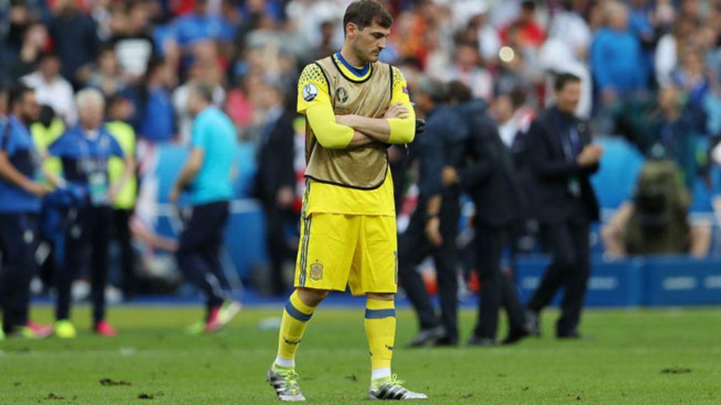 Así vivió Casillas ¿su último partido con la Roja?: nervios, tensión y mirada al infinito