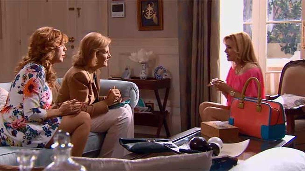 Maruchi y Piluca hablan con la novia súper mega 'cool'