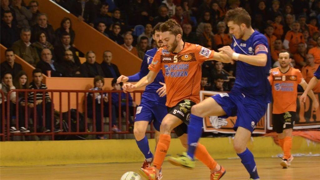 El Burela Pescados Rubén se impone a Azkar Lugo en el derbi lucense (4-1)