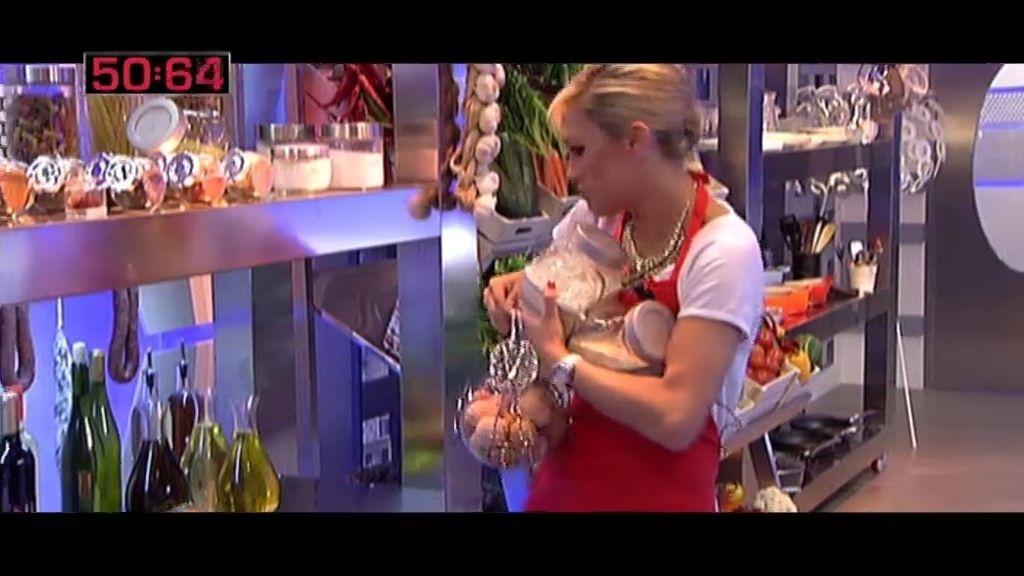 Luján tiene un minuto para coger todos los ingredientes