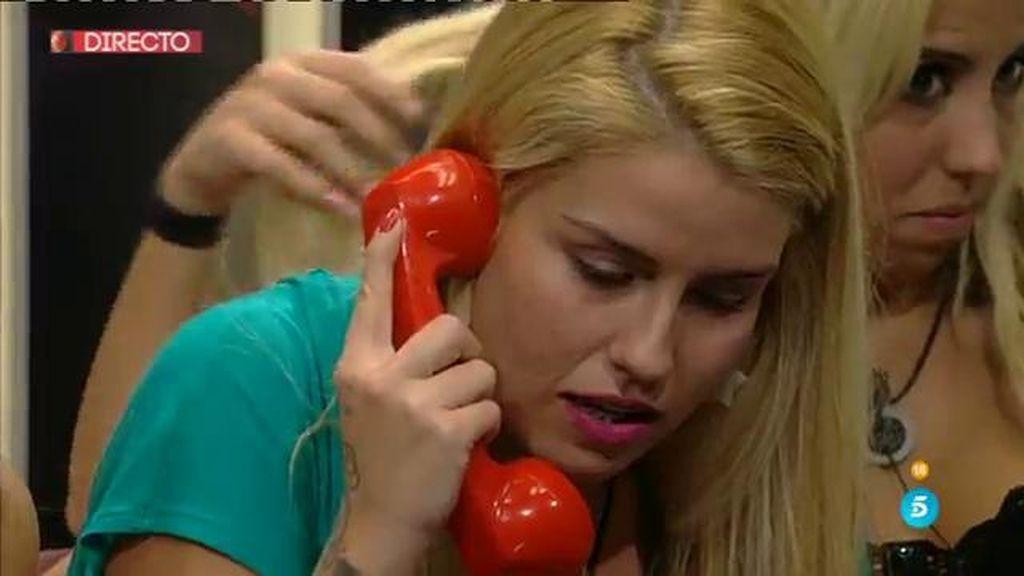 Marina recibe la llamada de su 39 ca 39 qu haces ah for Trabajar en marina d or