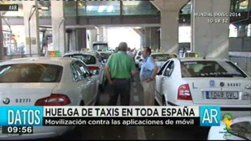 Los taxistas se ponen en huelga para denunciar el intrusismo en el sector
