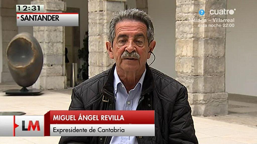 Miguel Ángel Revilla muestra su apoyo a los trabajadores de la empresa Sniace