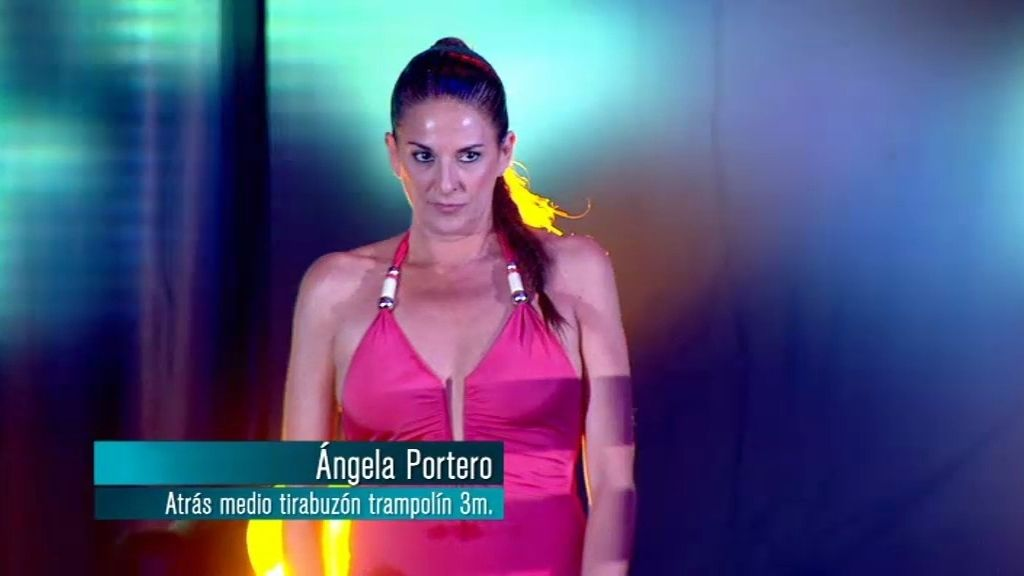 Ángela portero: salto hacia atrás de medio tirabuzón desde trampolín de 3 metros
