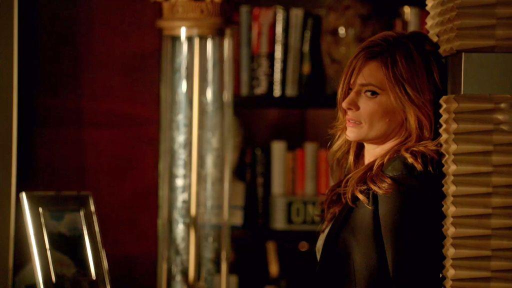 Beckett demuestra sus habilidades para escaparse... ¡de la madre de Castle!
