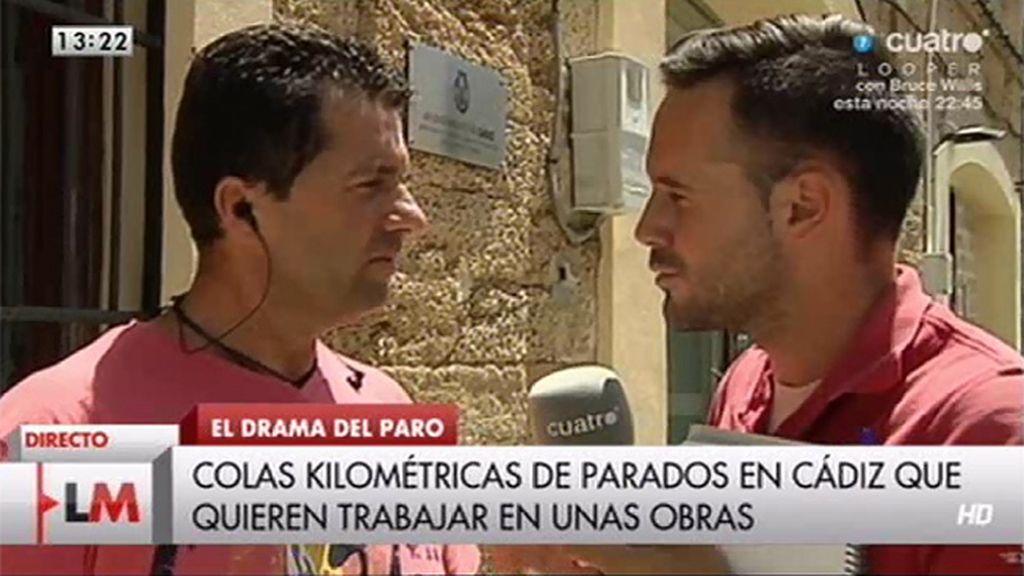 Largas colas en Cádiz por un puesto de trabajo en una obra que empezará en 2015
