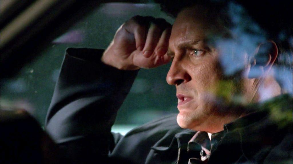 """Castle, desconsolado: """"La de móviles que pierdo en este trabajo"""""""