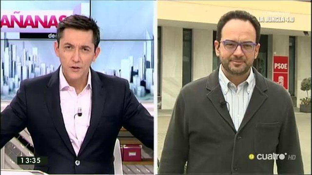 """Antonio Hernando: """"El gobierno está como un pollo sin cabeza"""""""