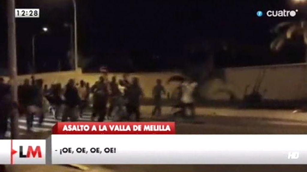 """Tras saltar la valla en Melilla, los inmigrantes gritaban """"libertad"""" o """"viva España"""""""