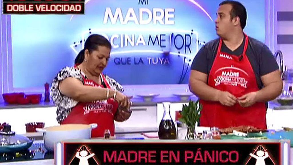Manuel casi quema el arroz caldoso