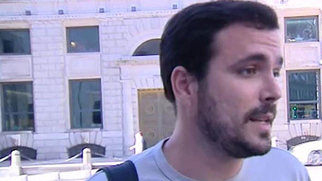 """Garzón: """"Creemos que si el PSOE intenta un Gobierno alternativo, es posible"""""""